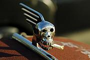 Jill Reger - Smoking Skull Hood Ornament